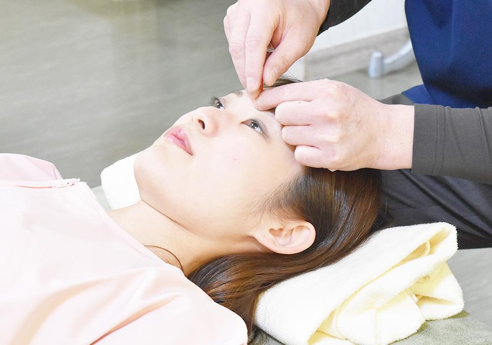 ハリウッド式美容鍼灸